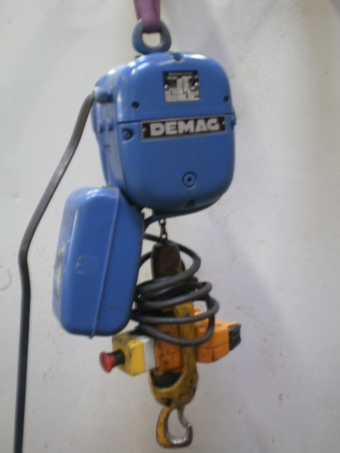 5640 - Hoist - Electric Chain Hoist - DEMAG - 250kg