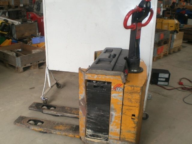 5894 - Electric Lifter - Electrick Pallet Lifter - BV - Type: SL22i