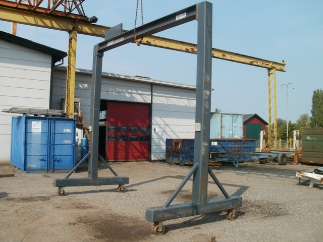 6022 - Gantry Crane - Moveable - 1000kg