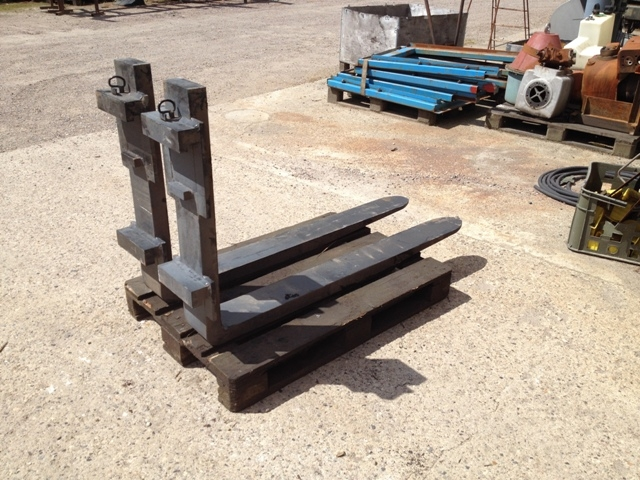 6444 - Fork Lift Forks - 4,2 Ton - Set - Type: 4200 x 600