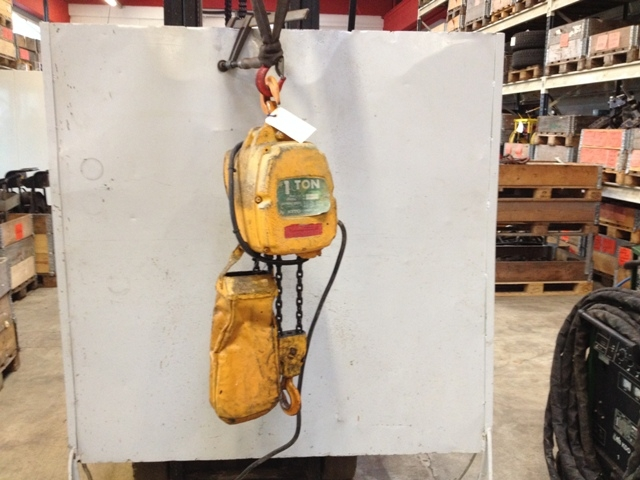 6700 - Electric Chain Hoist - KITO - 1000kg