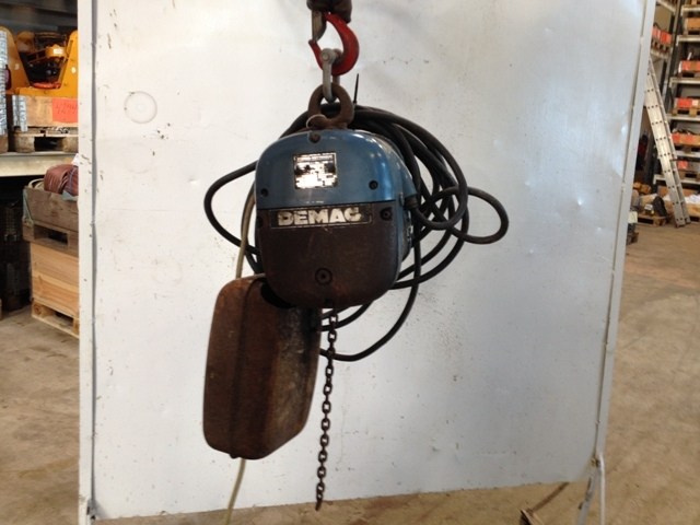 6718 - Electric Chain Hoist - DEMAG - Type: PK2N - 250kg