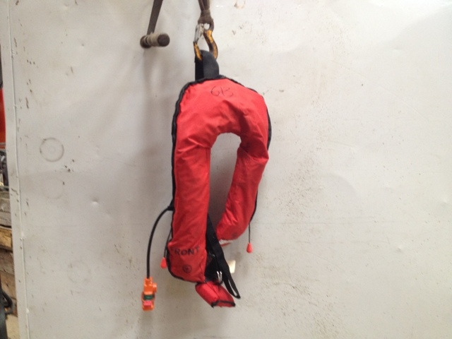 6774 - Life Jacket - Offshore - OCEAN SAFETY - Type: Challanger 275N