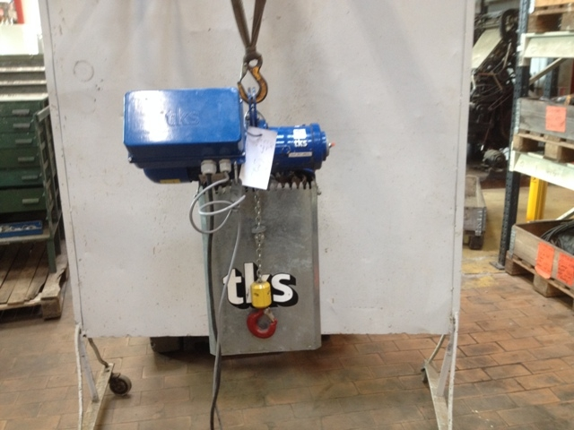 6840 - Electric Chain Hoist - TKS - 250kg
