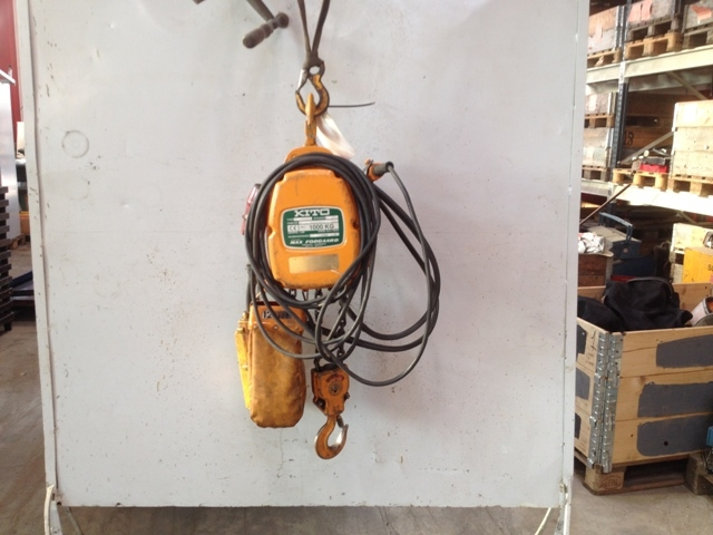 6895 - Electric Chain Hoist - KITO - Type: K5-7F - 1000kg