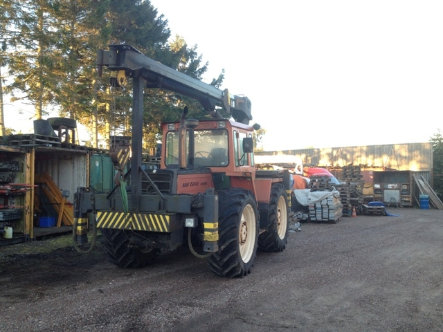 7102 - Tractor - Mercedes-Benz - MB - Trac 1300 - with Crane