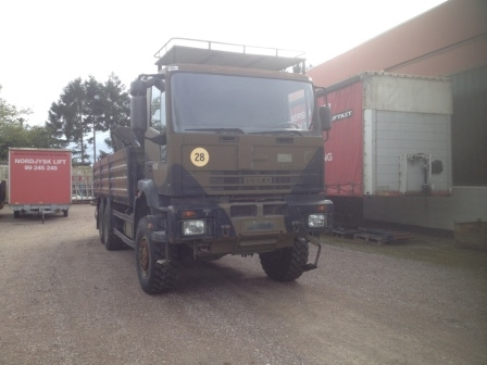 7432 - Iveco 6x6  with crane and winch - Diesel