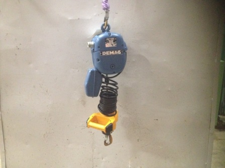 7439 - Electric Chain Hoist - DEMAG - 125 Kg - hook handle