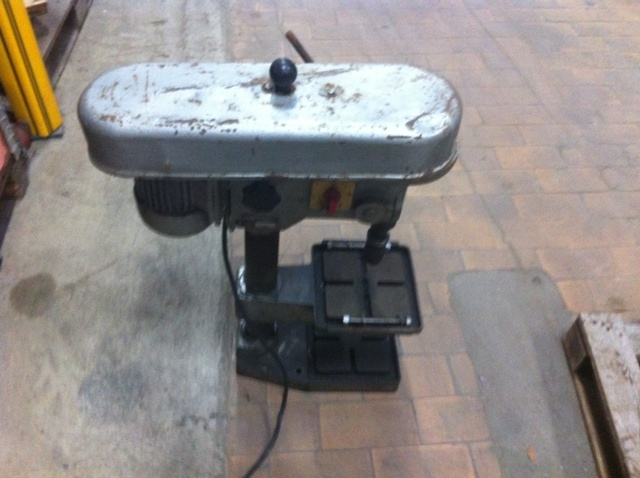 7453 - Pillar Drilling Machine - Ixion - Table Model