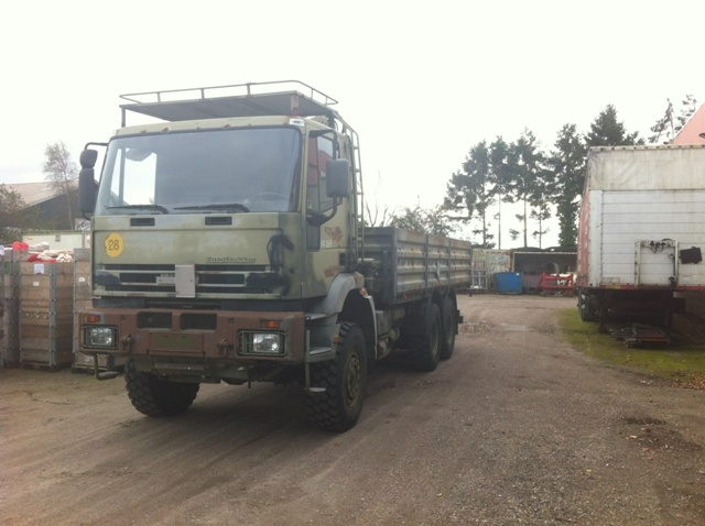 7449 - Truck - Iveco - 6x6 with crane - Dielsel
