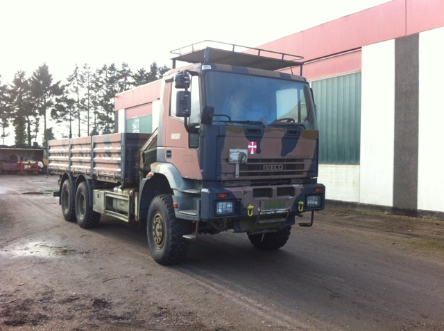 7474 - Iveco 6x6  with crane - Diesel