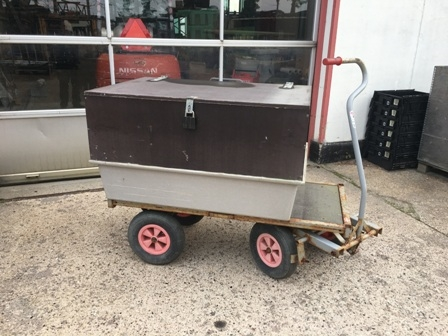 7580 - Wagon with fiber/wood top
