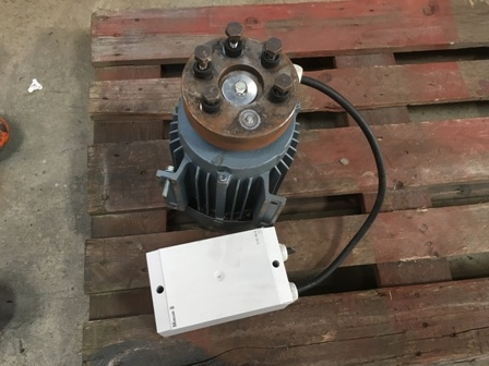 7588 - Electric Motor with a brake