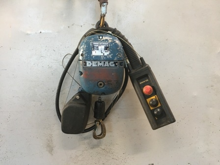 7630 - Electric chain hoist, 125 kg