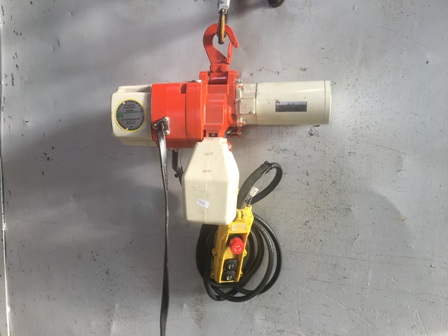 7669 - Electric Chain hoist 160kg