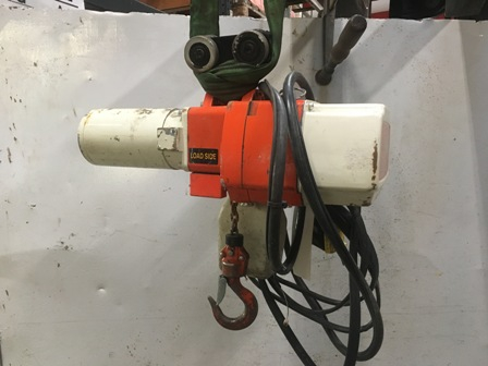 7674 - Electric Chain hoist 240kg