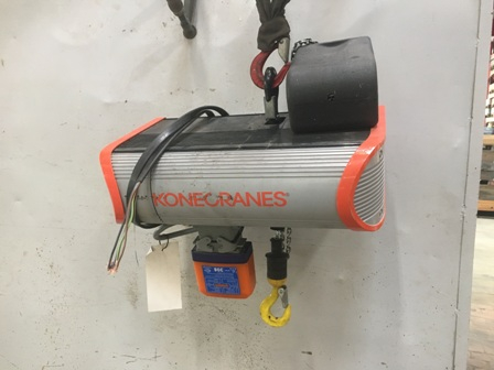 7675 - Electric Chain hoist 250kg