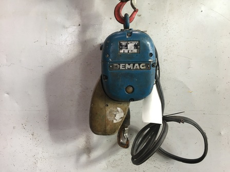7679 - Electric Chain Hoist 125 kg