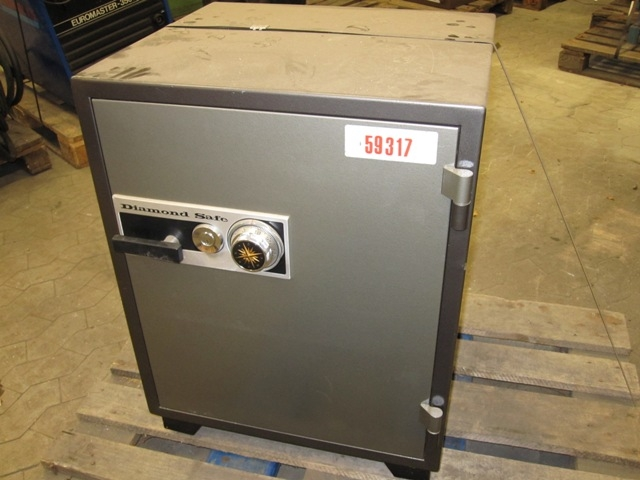 2816 - Safe - Deposit Box - DIAMOND SAFE