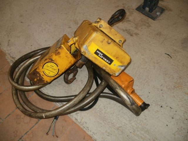 3216 (146) - Electric Chain Hoist - Liftket - Type: Mini