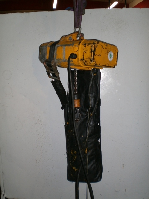 3977 - Electric Chain Hoist Wind Mill Hoist ABB/LIFTKET Type: 125/1-24
